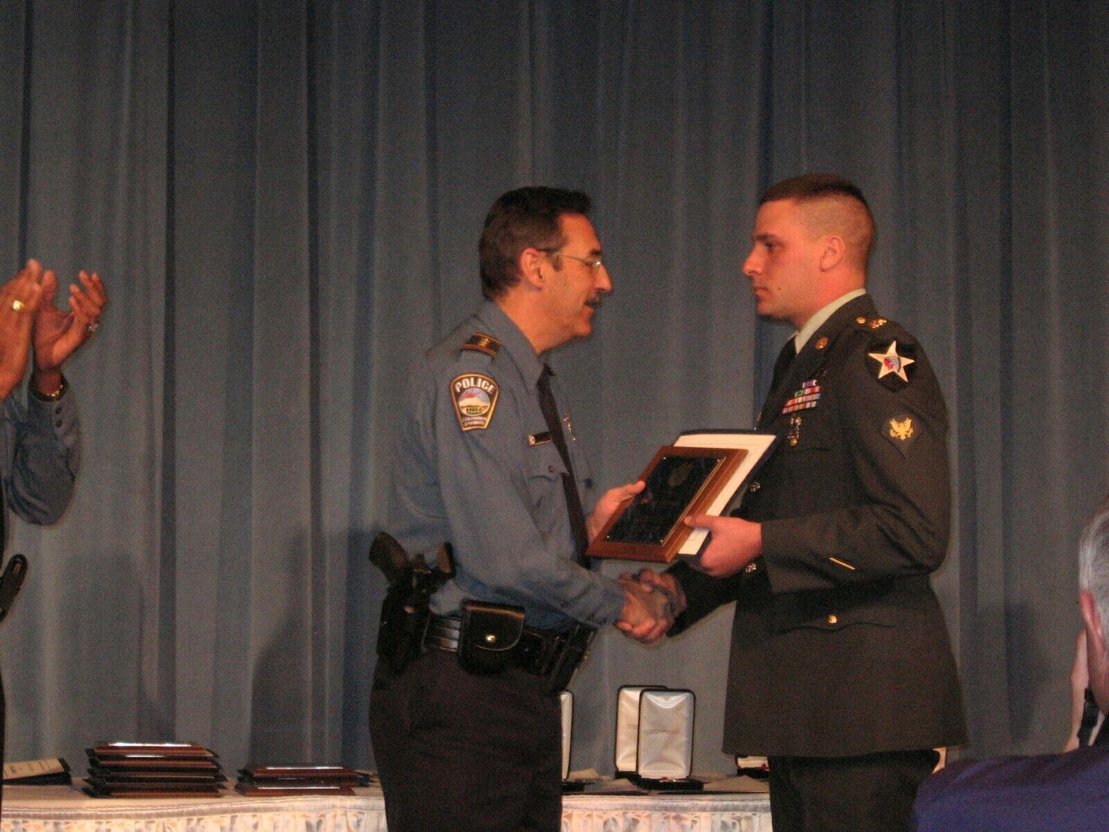 U S Army Spc Daniel Tingle Jared Allen Home For
